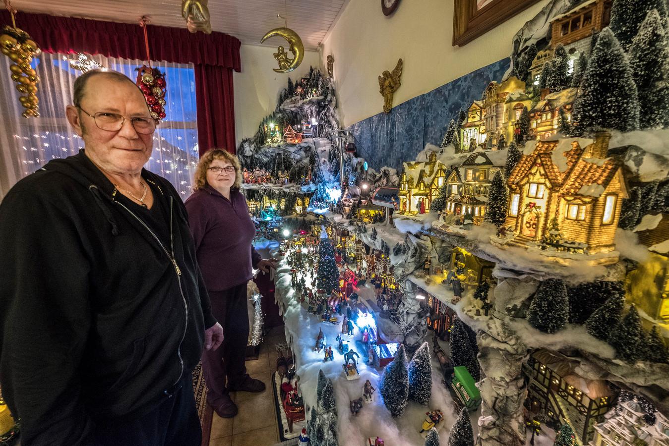 Geerte en Arnold zijn in oktober al begonnen met de kerst.