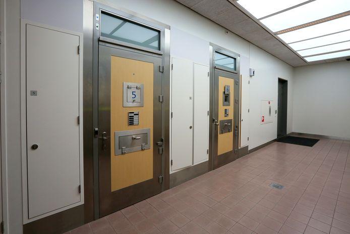 Cellen in politiebureau. Foto ter illustratie.