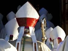 'Vervolg nog levende misbruikers in RK-kerk'