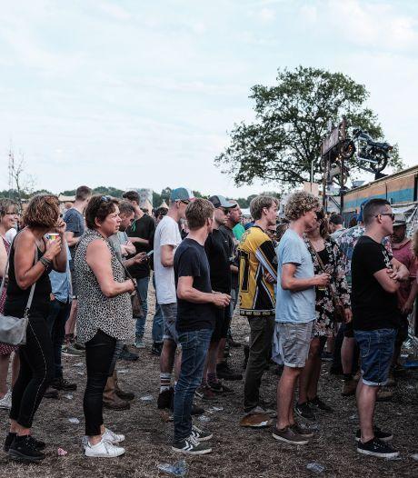 Zwarte Cross bewijst: driekwart festivalgangers draagt poepbacterie bij zich