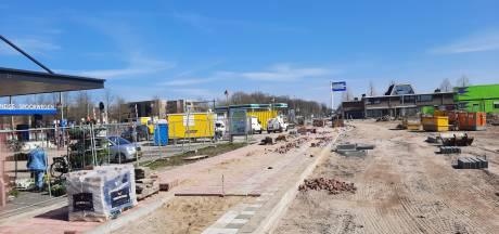 Stationsplein Etten-Leur nog grotendeels bouwput, maar begin metamorfose is gemaakt