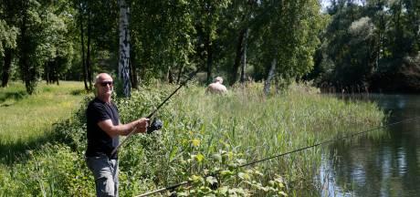 Vissers zijn seksende mannen op de Berendonck spuugzat: 'Kijk dan, ze liggen boven op elkaar'