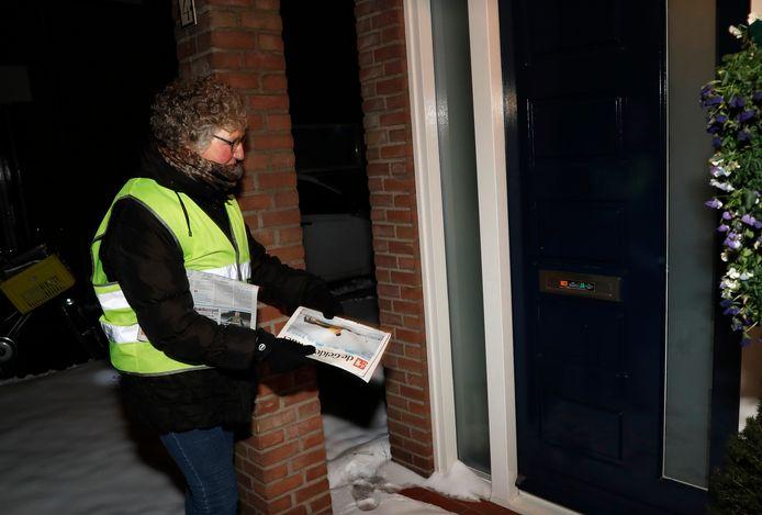 Adi Heuvelink uit Doetinchem was één van die honderden krantenbezorgers die de sneeuw en vrieskou trotseerden om de krant tóch bij de abonnees thuis te bezorgen.