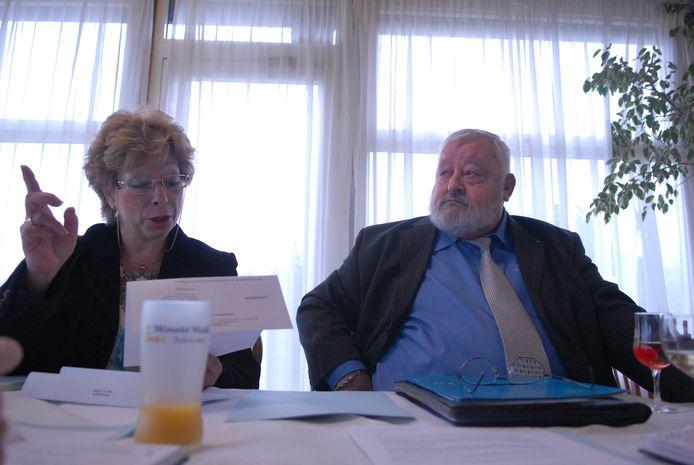 Carry Vankesbeeck en Annie Van Dessel bij de voorstelling van Liberaal