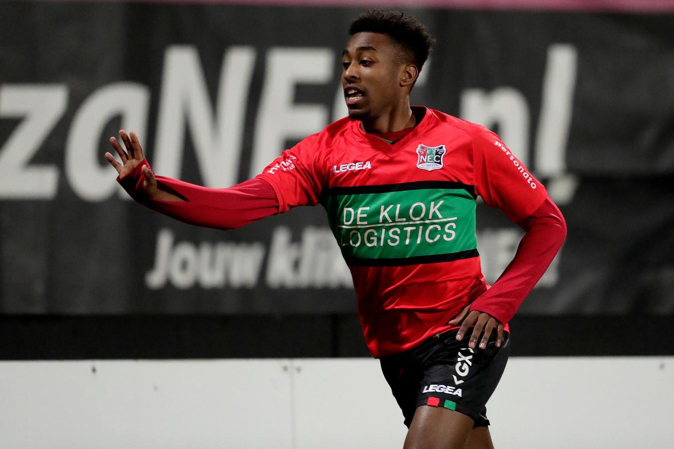 Mike Tresor Ndayishimiye genoot met volle teugen na afloop van het duel met FC Den Bosch.
