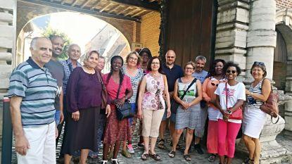 Vrijwilligers onderhouden kennis Nederlands nieuwkomers