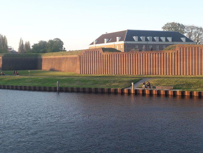 Op de grasstrook naast de Citadel staat een tijdelijk terras gepland.