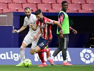 Puntendeling in Madrileense derby met goede Carrasco, die door Courtois van een doelpunt werd gehouden