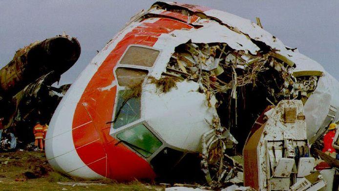 Het verongelukte toestel van Martinair op de luchthaven van Faro in 1992.