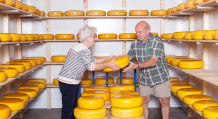 Betsy en Martien maken al 45 jaar samen kaas. Beeld Geisje van der Linden