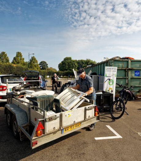 10.000 kilo aan plastic tuinmeubels ingeleverd bij Clean Up Day in Schijndel