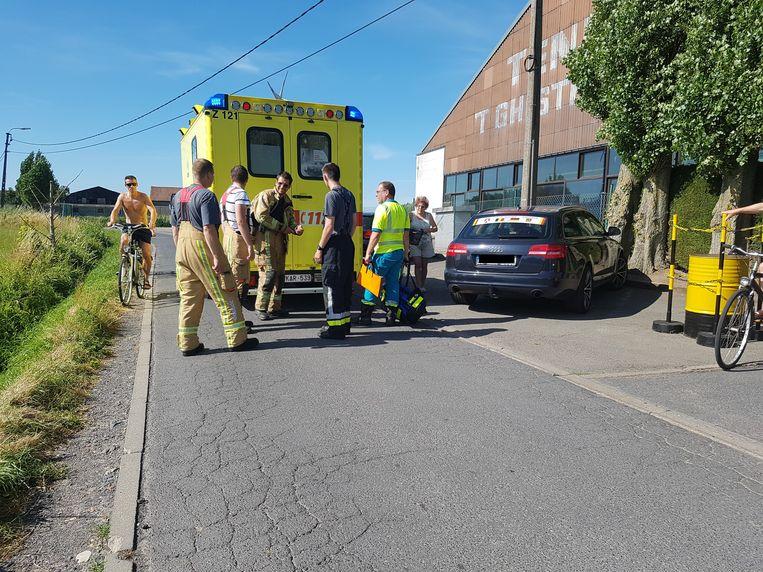 De brandweer, ziekenwagen en mughelikopter kwamen ter plaatse. Het slachtoffer werd naar het AZ Sint-Jan in Brugge overgevlogen.