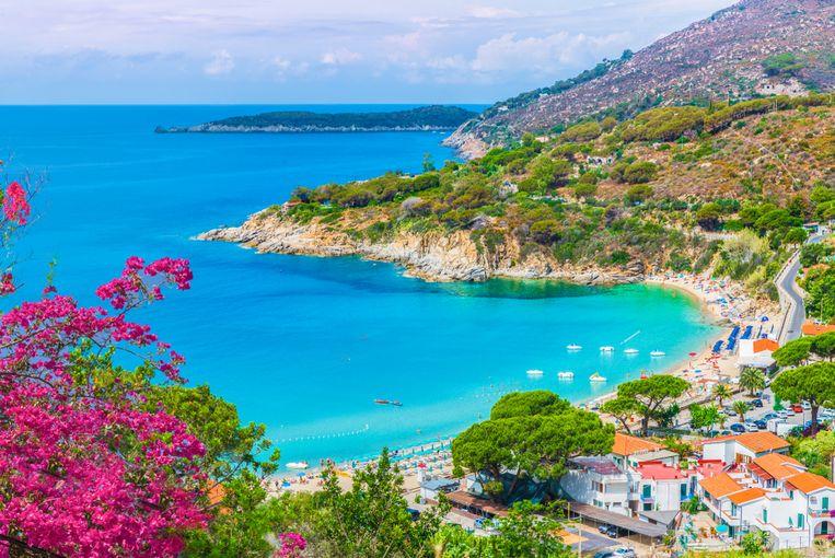 Elba, voor de kust van Toscane, is het derde grootste eiland van Italië.