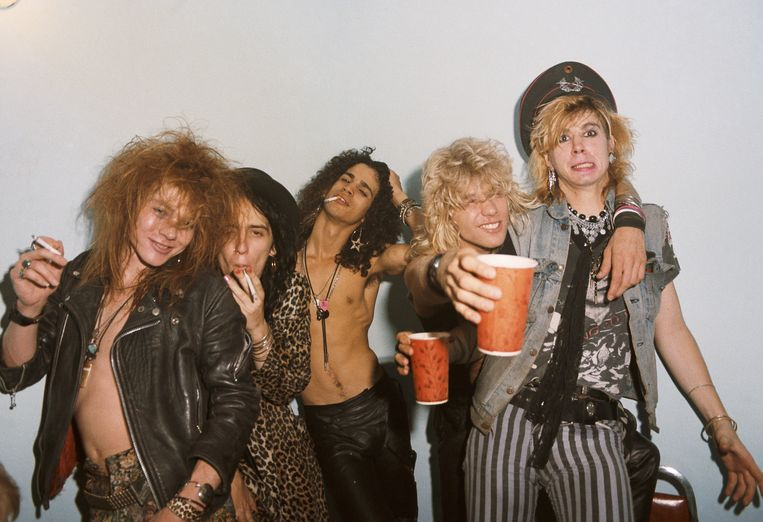 Guns N' Roses in 1985, met links Axl Rose en midden gitarist Slash. Beeld Getty Images