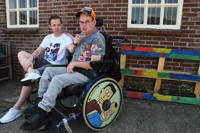 Camiel en Jordy Derkx. De avonturen van de broers zijn te lezen in de stripboeken 'Mijn gehandicapte broer en ik'.