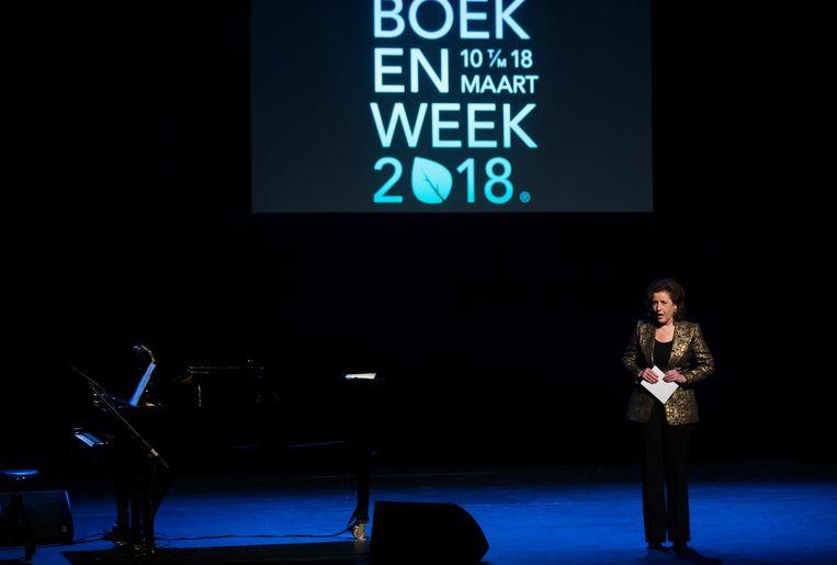 En minister Ingrid van Engelshoven (Onderwijs, Cultuur en Wetenschap) brak een lans voor het lezen Beeld anp