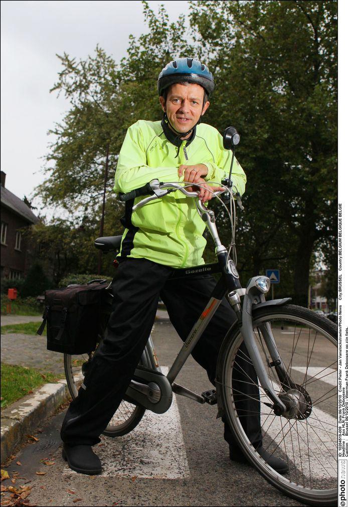 Brussel 06/10/2010 - Weerman Frank Deboosere op zijn fiets.