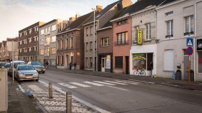 Vier voertuigen botsen in Nekkerspoelstraat