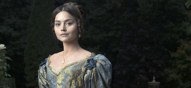 Jenna Coleman als koningin Victoria in het gelijknamige Britse kostuumdrama. Beeld Des Willie