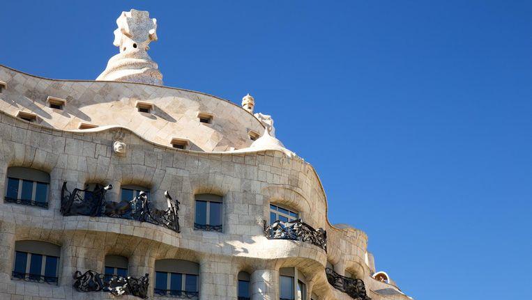 Stijl Van Gaudi.De Verbinding Tussen Gaudi En De Amsterdamse School Het Parool