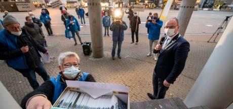 Ruim 800 handtekeningen in Apeldoorn tegen veranderingen bij Zuid doet Samen