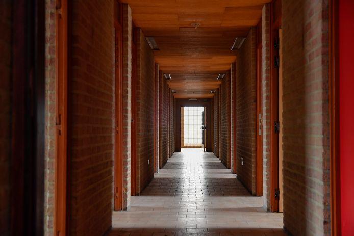 De gangen van de Abdijschool zijn al jaren leeg. Decennia lang liepen er studenten van uit de wijde omgeving rond.