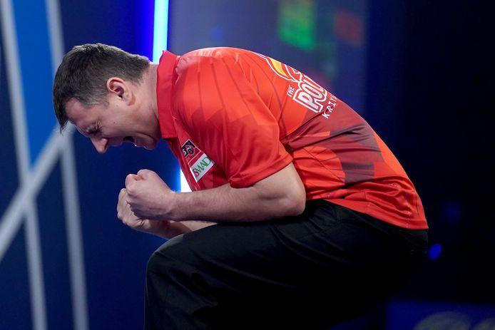 Krzysztof Ratajski won zijn achtste finale van de Duitser Gabriel Clemens.