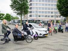 Da's handig: vanuit de tram spring je supersnel op de elektrische scooter (en je krijgt nog korting ook)