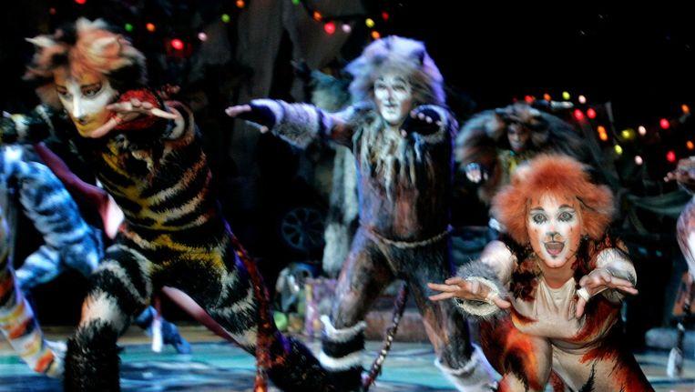 Scene uit de musical Cats in het nieuwe Luxor Theater in Rotterdam in 2006. Beeld anp