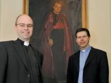 Pastoor Miltenburg en kapelaan Loodts verlaten Tilburg met onbekende bestemming