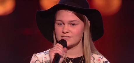 Fenne (15) uit Denekamp zingt sterren van de hemel in Voice Kids