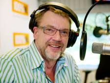 Henk Westbroek over bedreigingen om sinterklaasliedje: 'Vroeger hadden ze dit soort wappies gedwongen therapie gegeven'