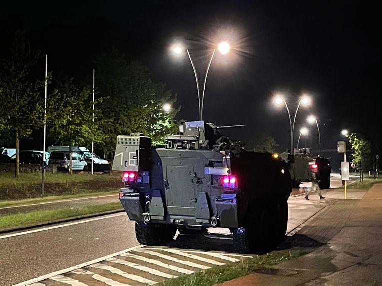 Een pantserwagen aan de ingang van het nationaal park Hoge Kempen in Dilsen-Stokkem. Beeld BELGA
