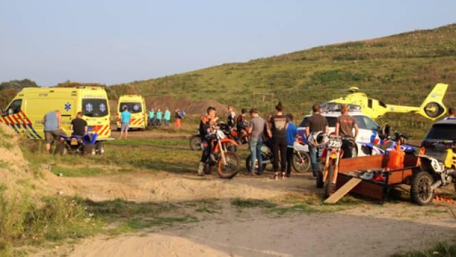 Opnieuw moet een traumahelikopter landen bij het crossterrein in Barneveld: motorcrosser over de kop