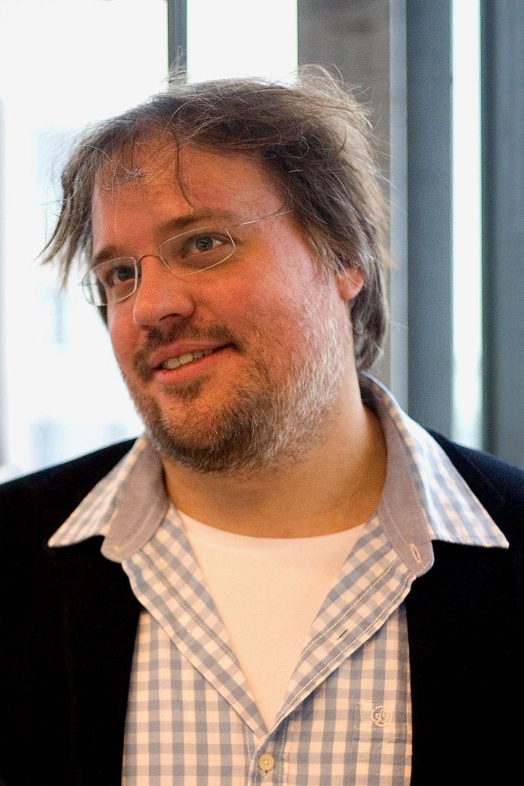 Niels Schrader (1977) is grafisch ontwerper met een fascinatie voor cijfers en data. Hij is oprichter van het Amsterdsamse designbureau Mind Design. Daarnaast is hij co-hoofd grafisch ontwerp aan de Koninklijke Academie van Beeldende Kunsten in Den Haag. Beeld