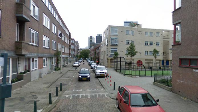 De schietpartij vond plaats in de Van der Sluysstraat in Rotterdam