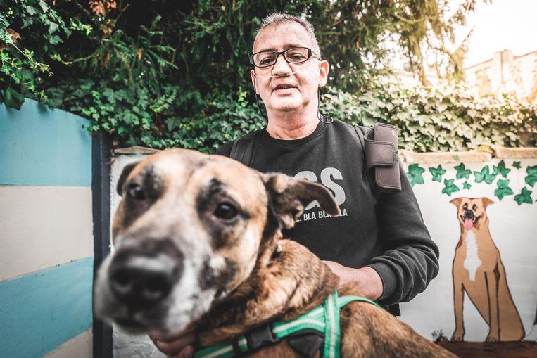 Peter Deruyter en zijn hond Zino.