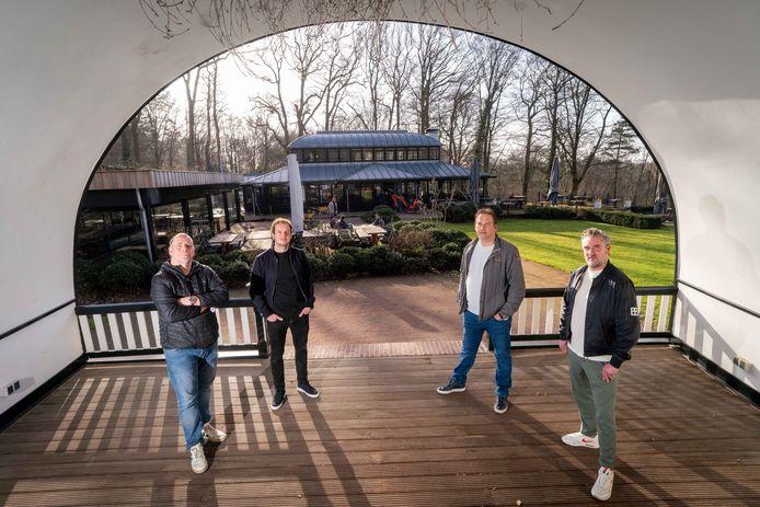 Het voormalige restaurant The Hunting Lodge in Rozendaal wordt omgevormd tot een bistrobar. Hieraan wordt gewerkt door een 'dreamteam': vlnr sterrenkok Ron Blaauw, chef-kok Fedor Kok, Thijs van Gastel en Frank Goossens.