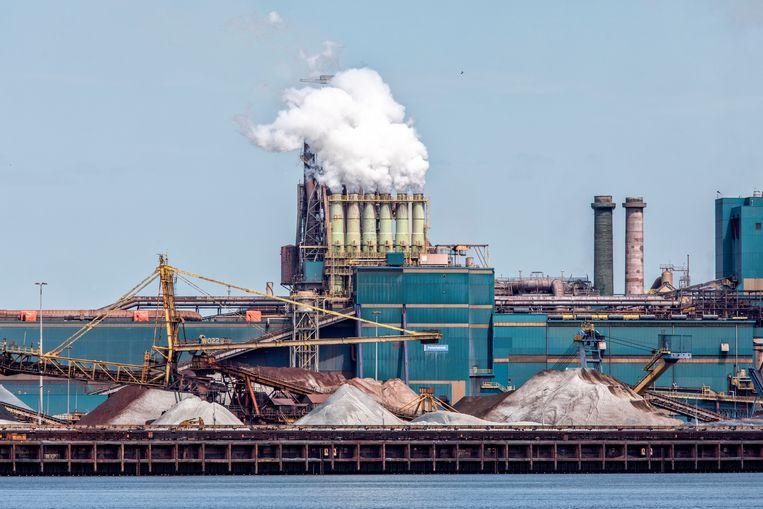 De ruwe grondstoffen bij Tatasteel in Velsen.  Beeld ©raymond rutting photography