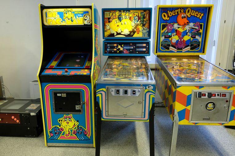 Ook oude arcade- en flipperkasten zijn van de partij en zijn zelfs speelbaar.  Beeld Marc Baert