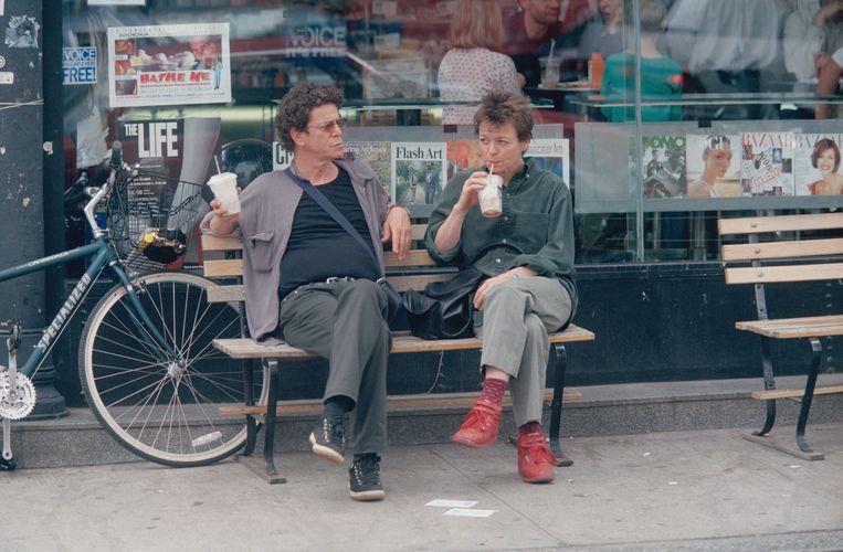 Met Lou Reed. 'Hij was de geweldigste partner die je je zou kunnen wensen. Met hem samenleven was soms stresserend en vaak frustrerend, maar nooit, nóóit saai.' Beeld Sygma via Getty Images