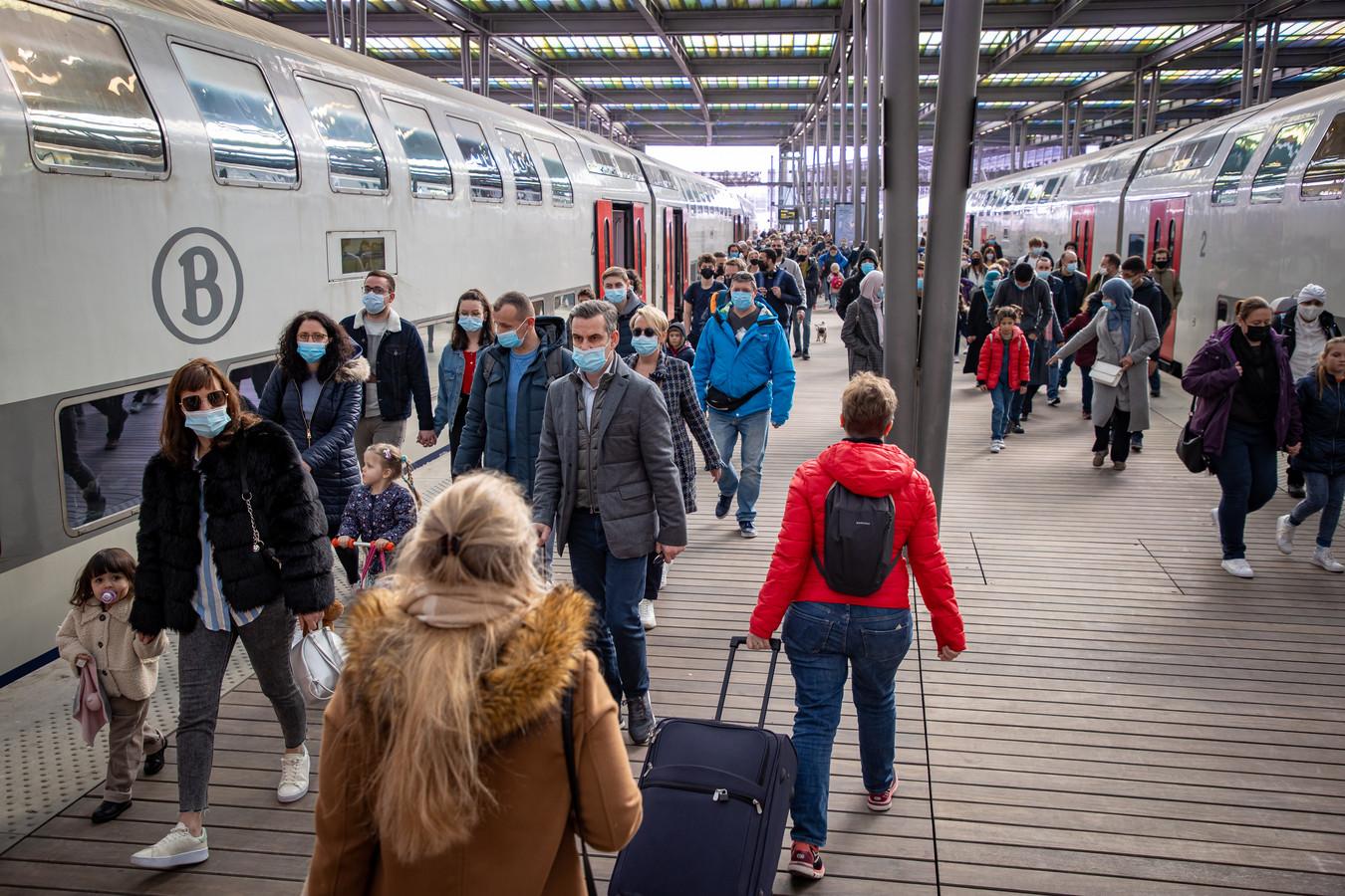 Drukte in het station van Oostende.