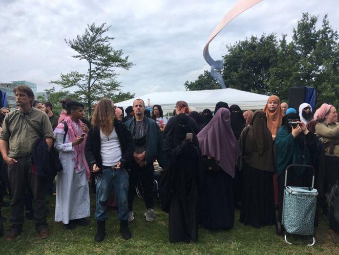 Protest tegen het boerkaverbod op Malieveld