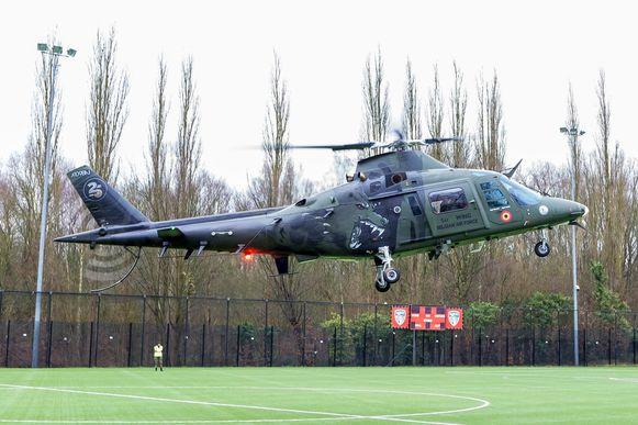 De helikopter van de Poppy Flight landde in Watermaal-Bosvoorde.
