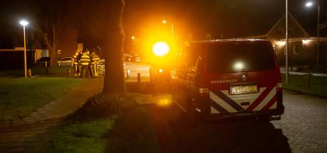 Brandweer meet zwavellucht in en rond Ossendrecht