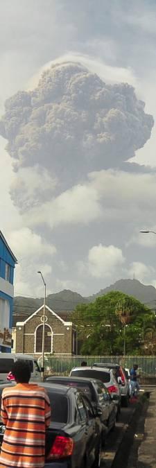Saint-Vincent sous la menace de son volcan