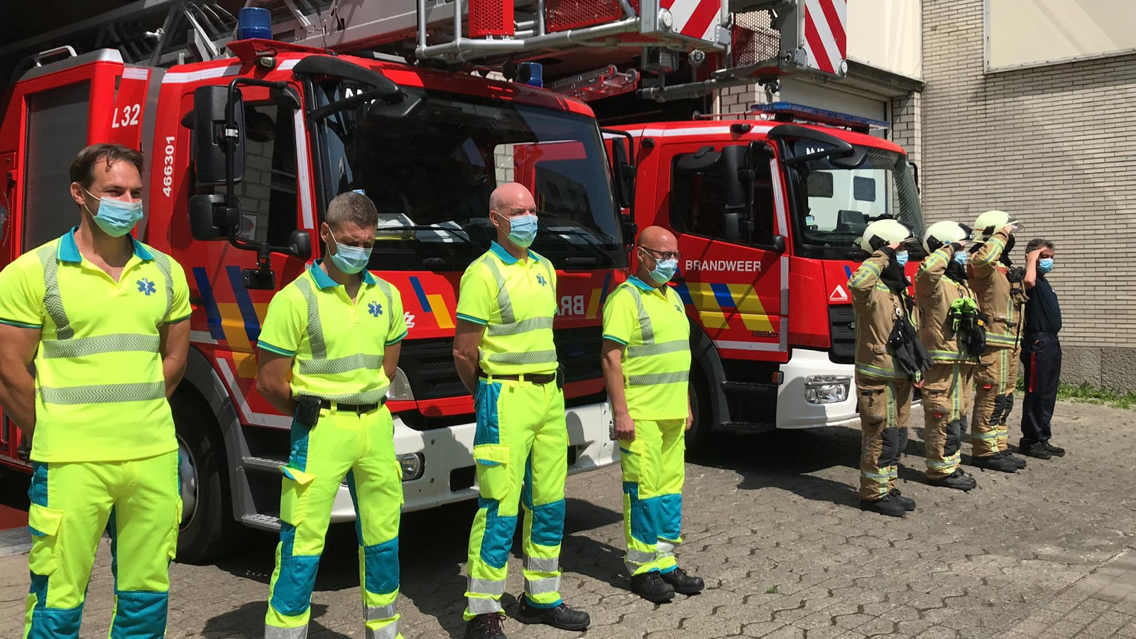 De Aalsterse hulpverleners op de dag van nationale rouw.