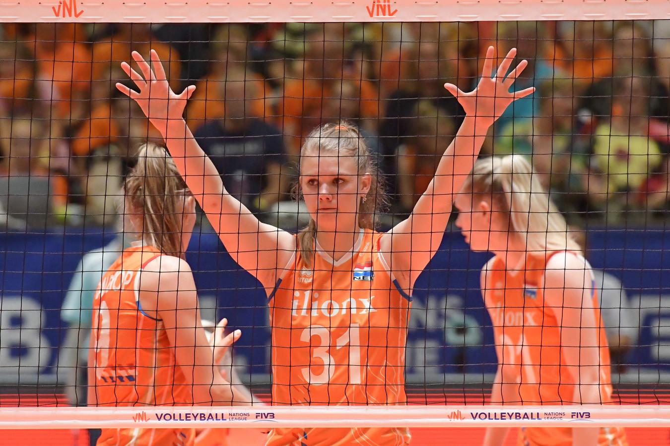 Vlnr: Nika Daalderop, Eline Timmerman en Annick Meijers.