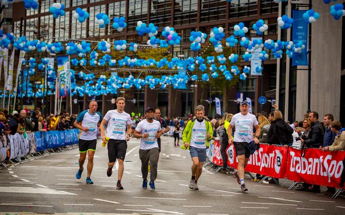 Beeld van de finish van Marathon Eindhoven.