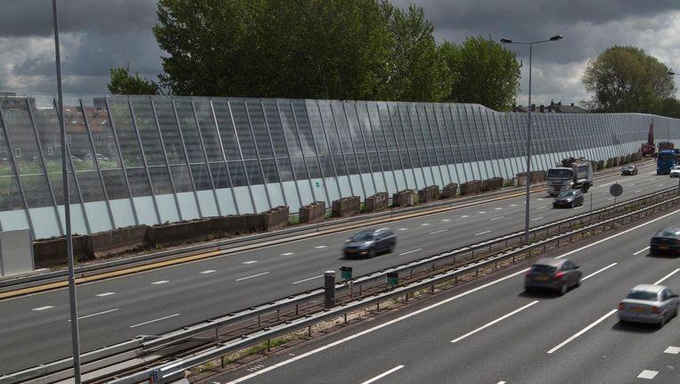 Het liefst ziet Muresan alle schermen rond de A10 bedekt met planten Beeld Floris Lok